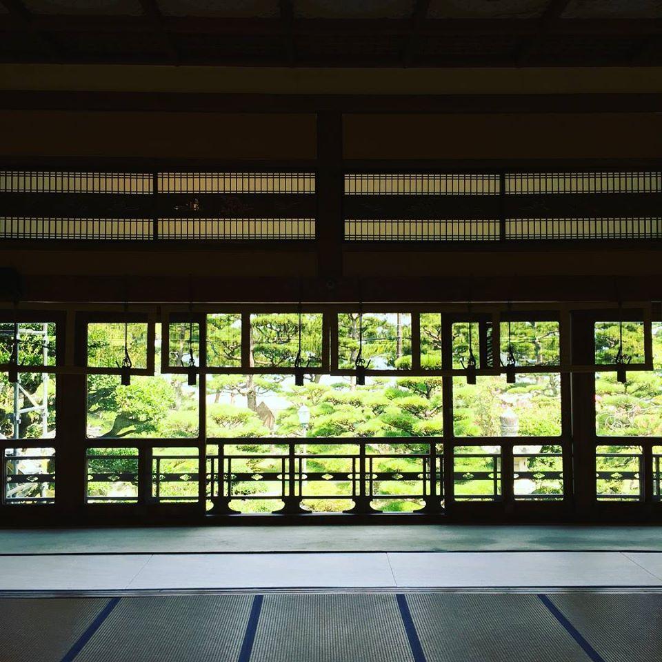賓日館|光と風を受け入れ、目にも身体にも涼を生み出す空間の妙