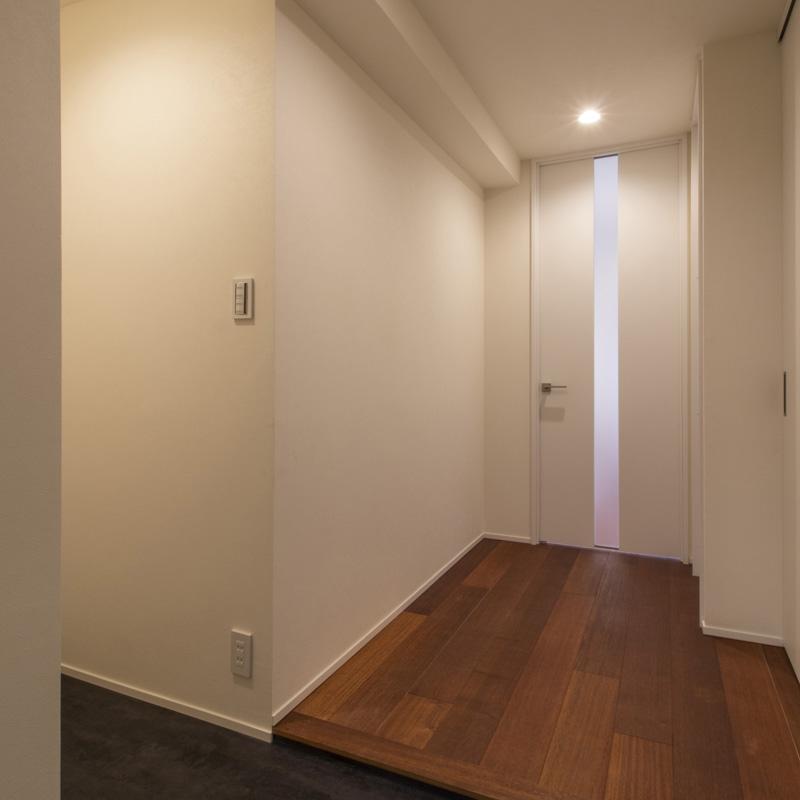 土間の玄関|外用収納と連続させてすっきり広々、快適に