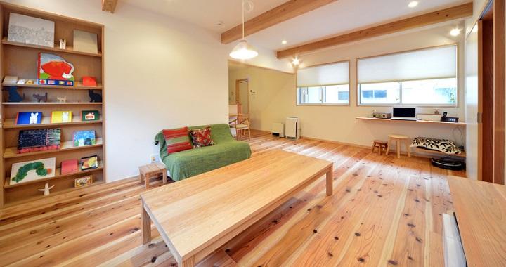 自然素材の豊かな空間の子育て住宅の設計