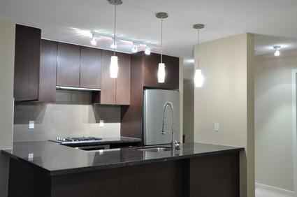 照明の選択でキッチンは変わる